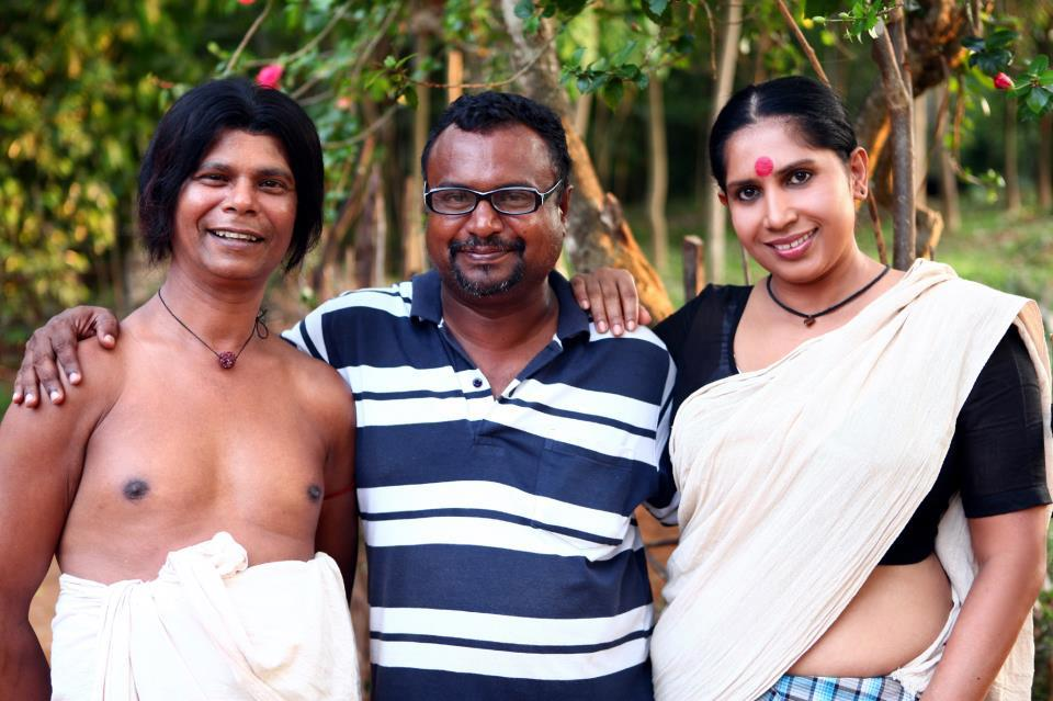 lungi blouse thorthu Parankimala remake actress Mini Ricgard with actor Indrans, Director Sennan Pallassery